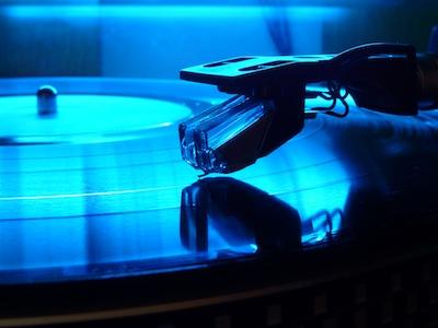 vinyl player digital backlash